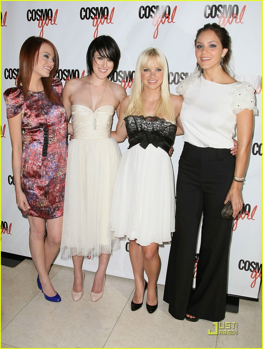 Rumer Willis Is The House Bunny Photo 1353101 Anna Faris Emma Stone Katharine Mcphee Rumer Willis Pictures Just Jared