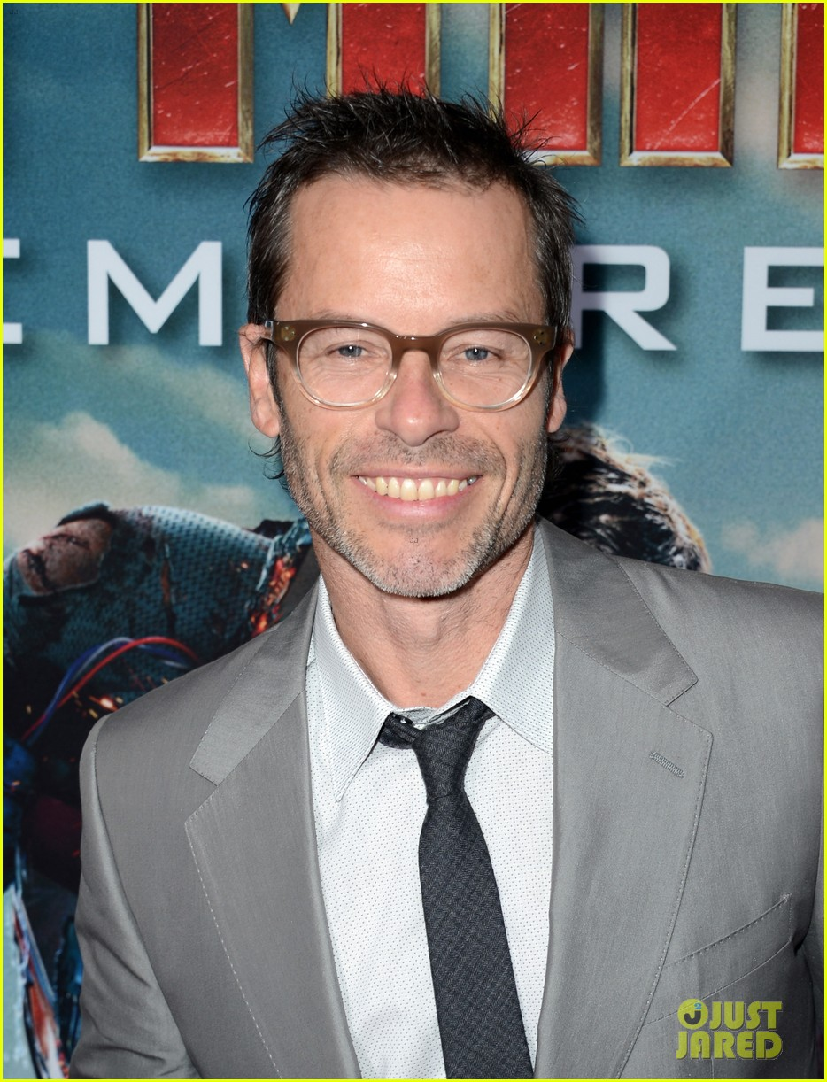 robert downey jr guy pearce iron man 3 premiere 062857571