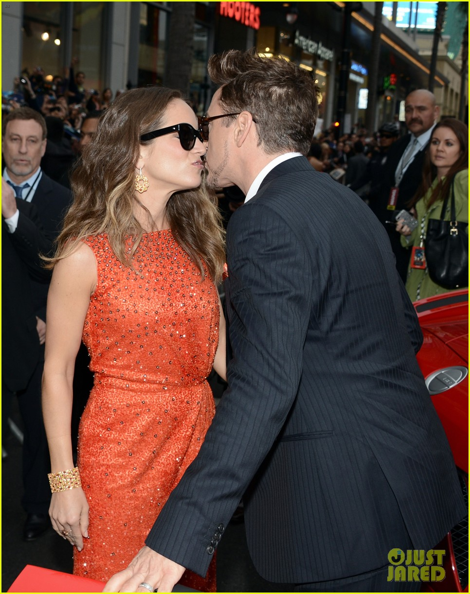robert downey jr guy pearce iron man 3 premiere 102857575