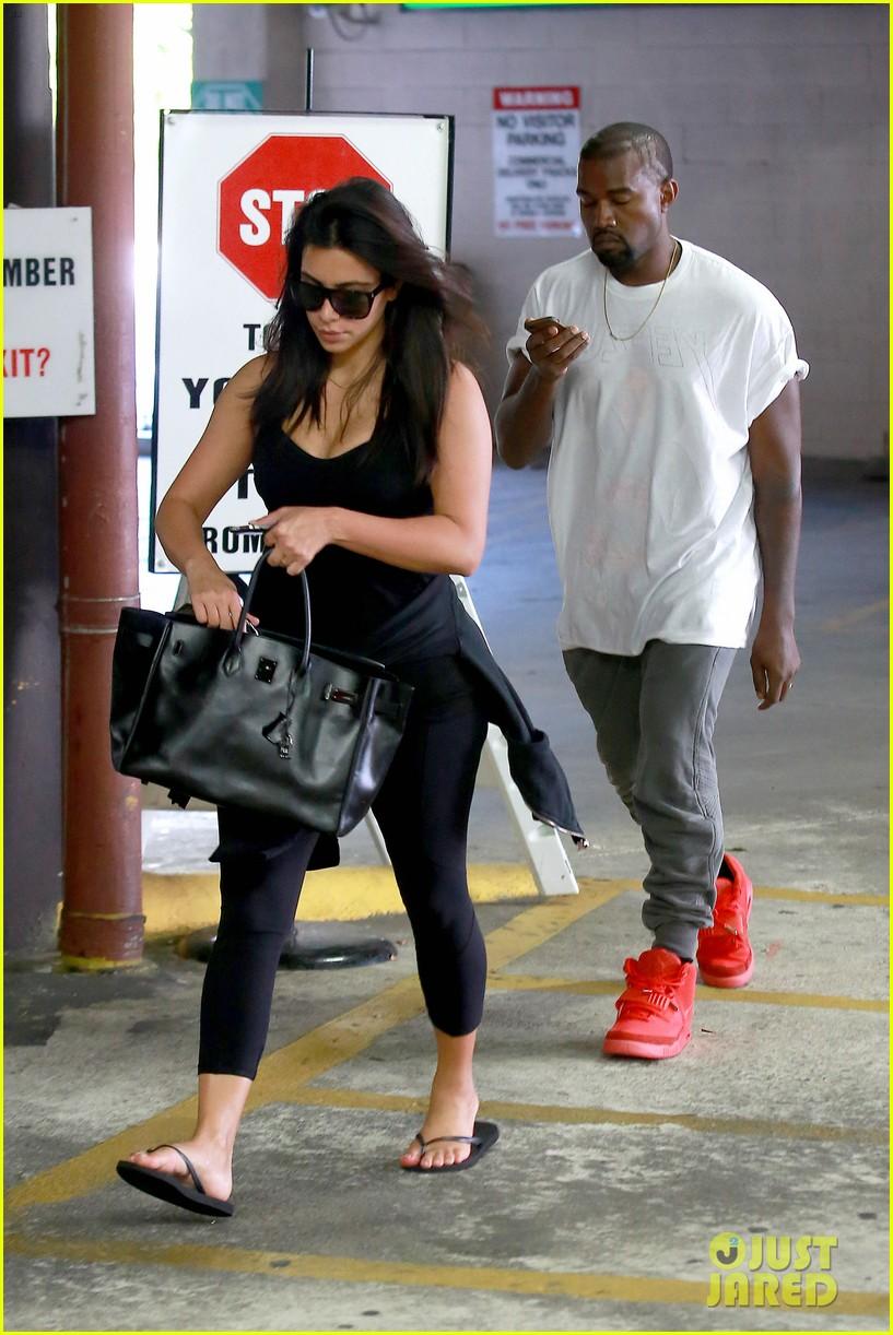 Kim Kardashian Confronted Nasim Pedrad About Snl Spoof Photo 3198401 Kanye West Kim Kardashian Pictures Just Jared