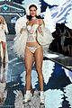 lily aldridge joan smalls victorias secret fashion show 2015 03
