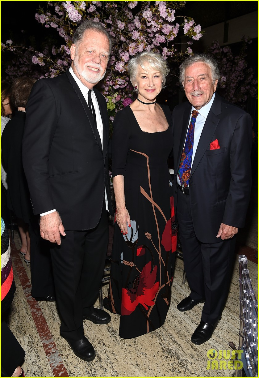 helen mirren supported by famous friends at chaplin award gala 274075064