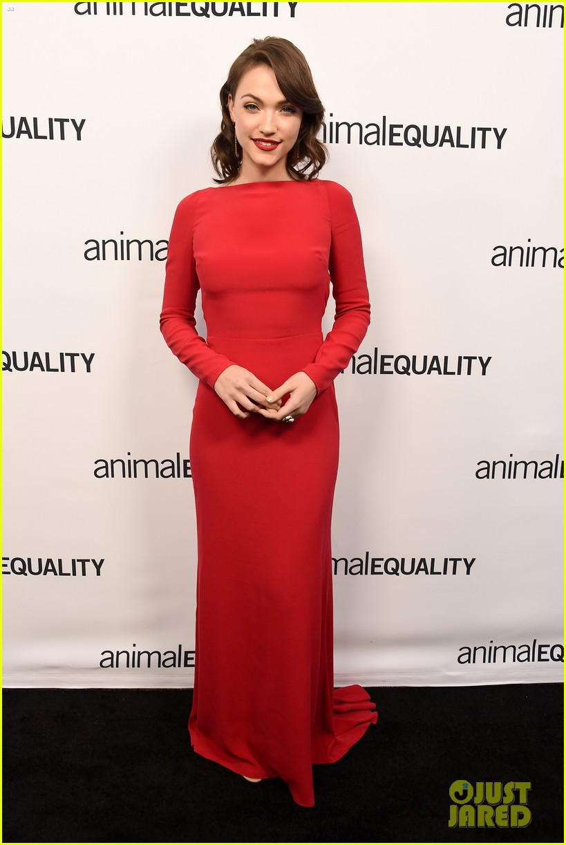 kate rooney mara step out for animal equality gala 124171489