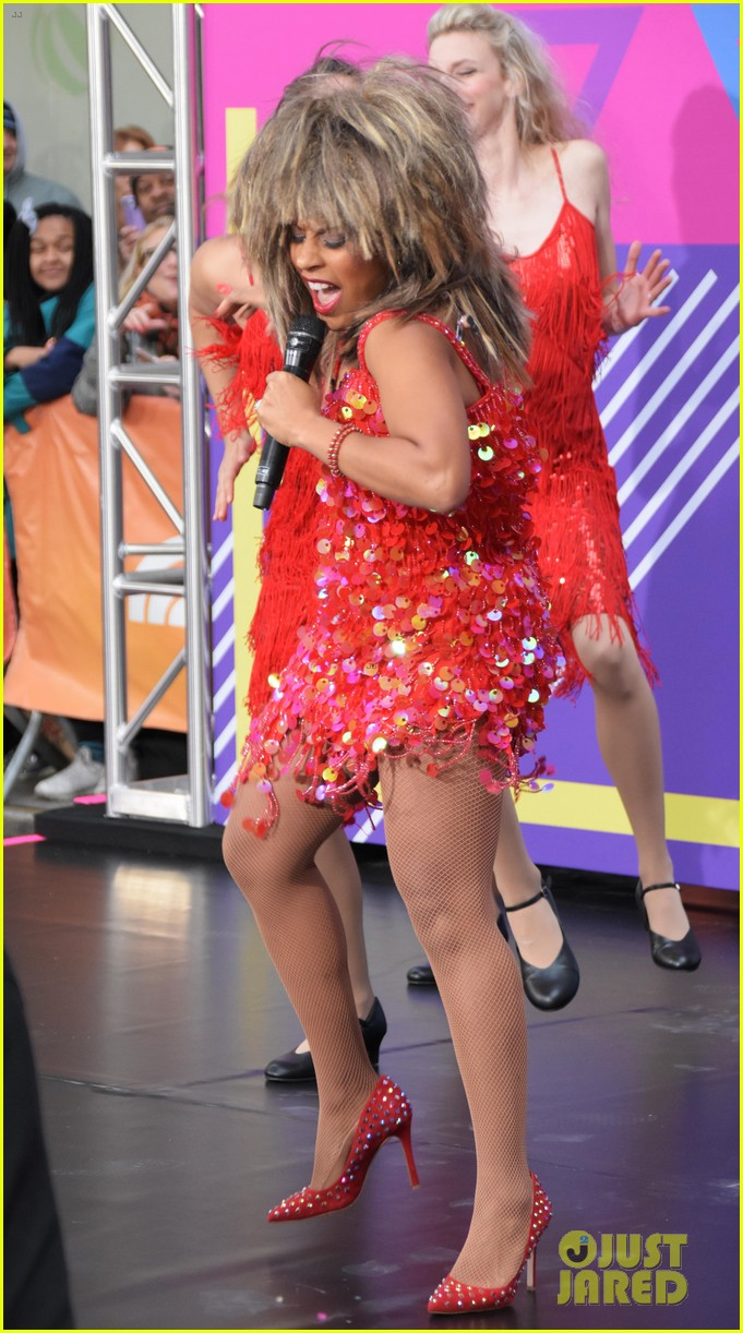 today show hosts show off their 80s inspired halloween costumes 054173861