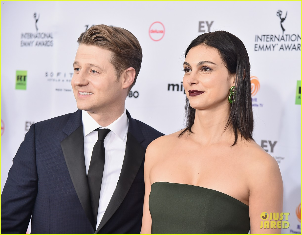 ben mckenzie morena baccarin international emmy awards 084185549