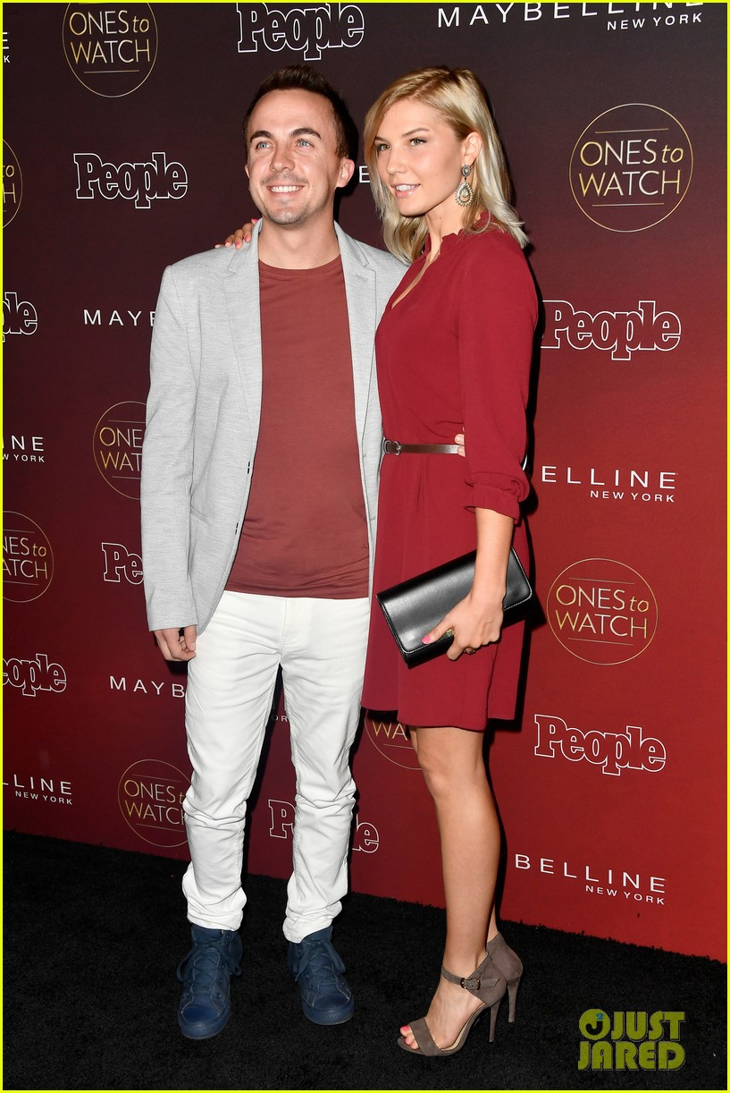 frankie muniz engaged to girlfriend paige 054185392