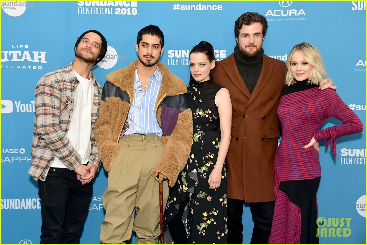 Now Apocalypse Cast Talks Kissing Tyler Posey & Dating