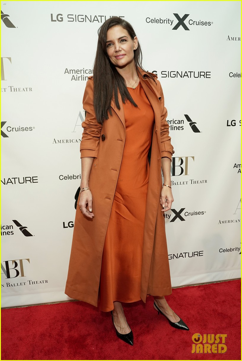 katie holmes joined by mom kathleen american ballet theatre fall gala 044372909