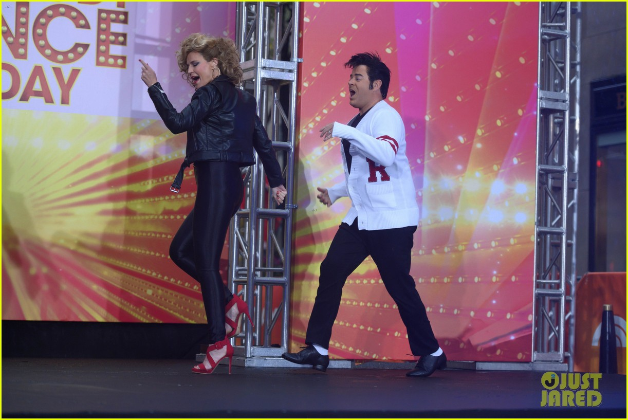 today show crew show off their moves as famous dancers for halloween 034379619