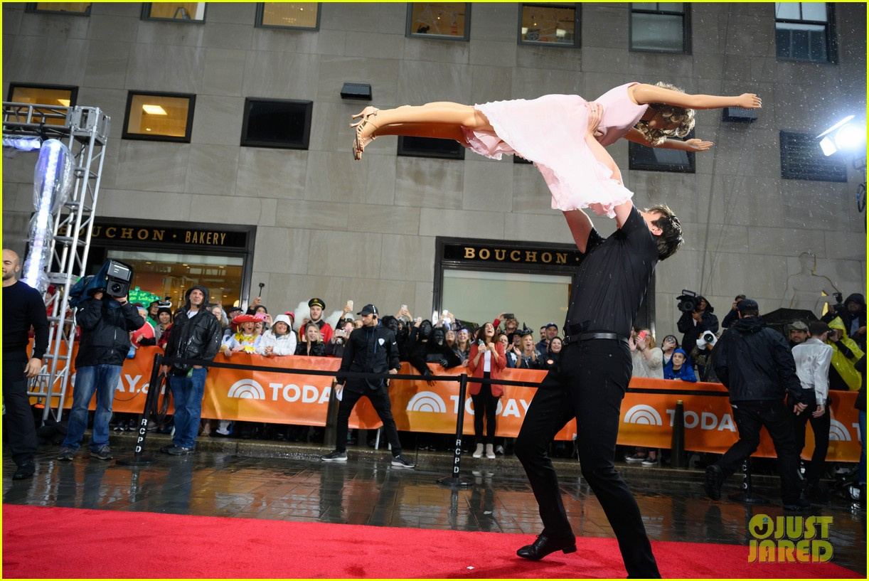 today show crew show off their moves as famous dancers for halloween 064379622