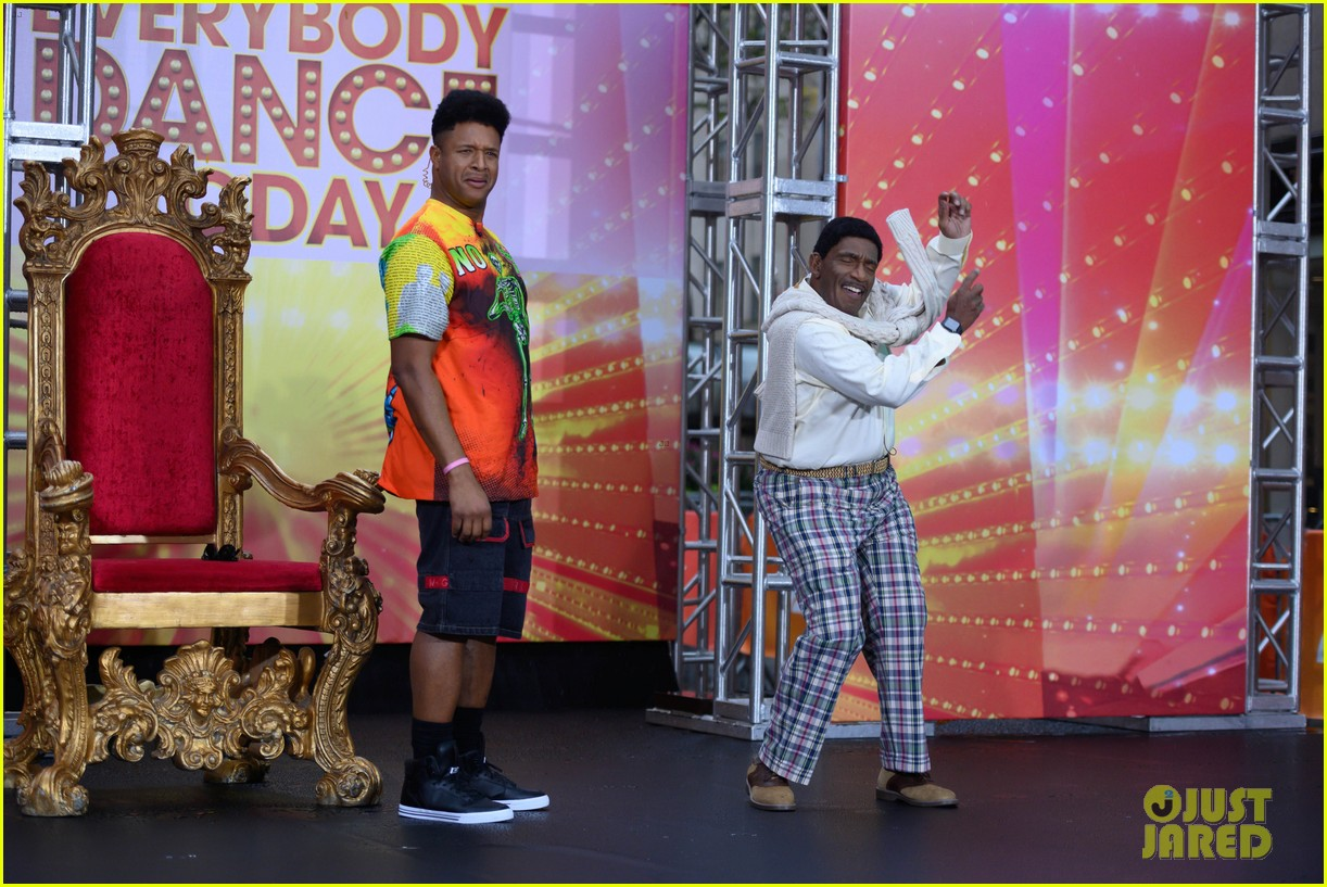 today show crew show off their moves as famous dancers for halloween 074379623