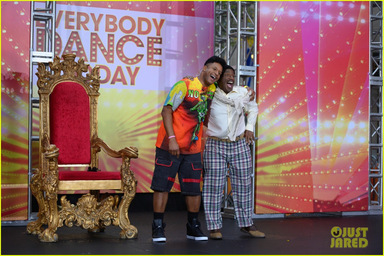 today show crew show off their moves as famous dancers for halloween 084379624