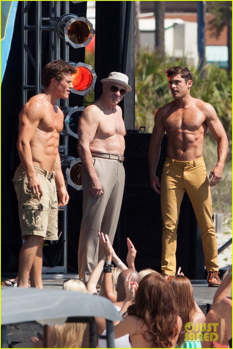 jake picking shirtless with zac efron 034458513