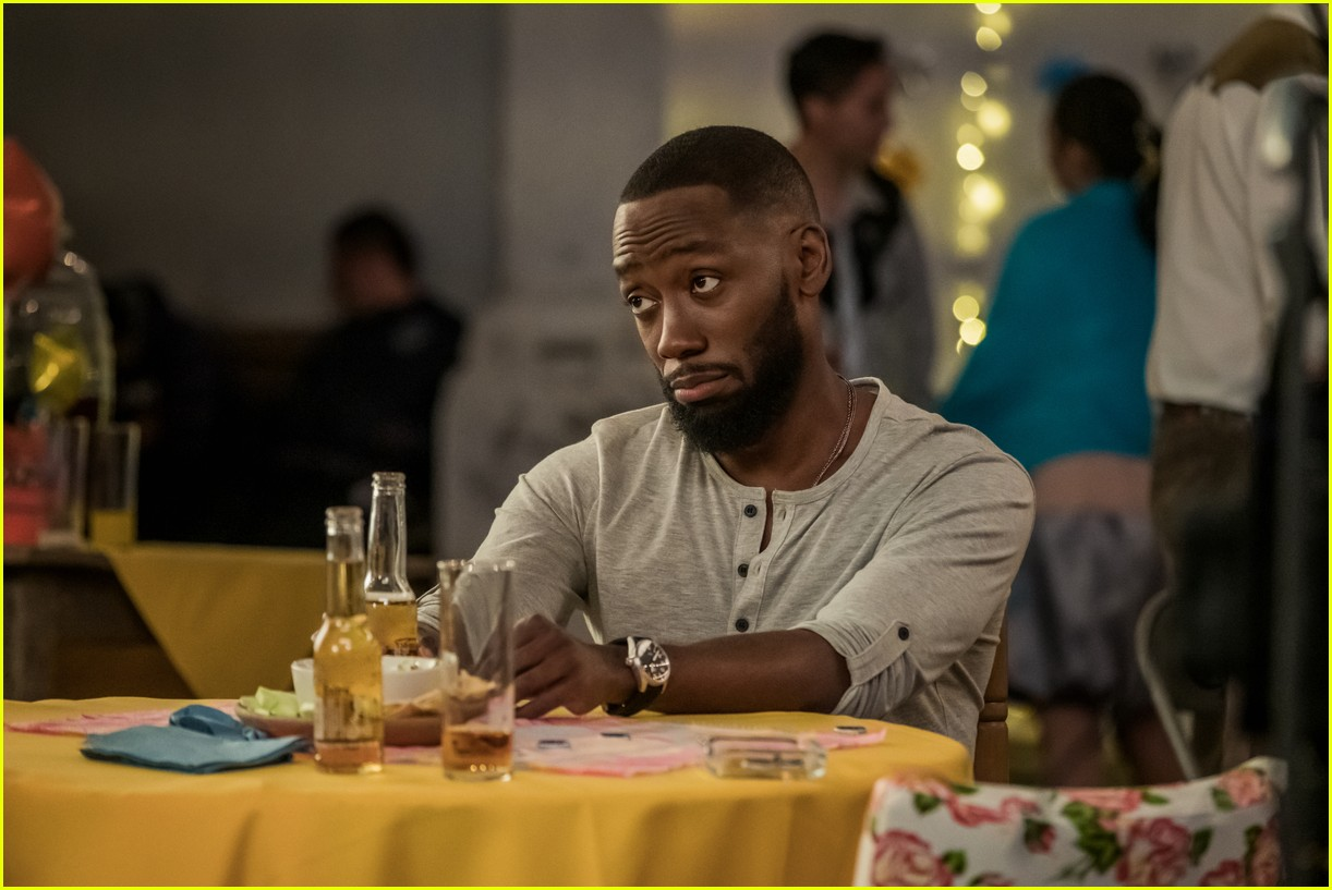 The Stars Of Netflix S Desperados Have Played A Couple Before Photo 4467684 Lamorne Morris Nasim Pedrad Netflix Pictures Just Jared