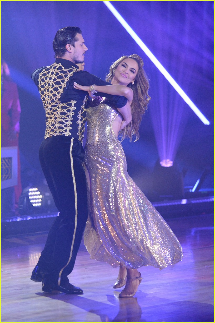 chrishell stause first week dancing with the stars 014483297