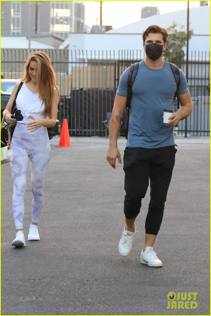 chrishell stause painful seeing ex hartley date dwts practice 024489072