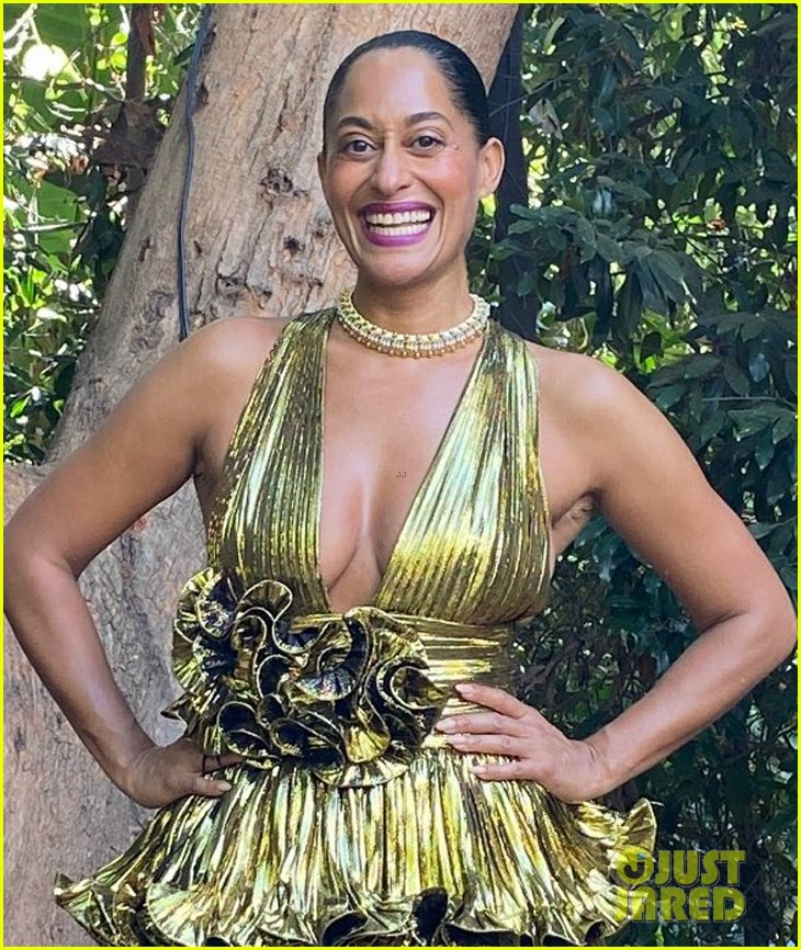 tracee ellis ross goes glam emmys at home 044485611