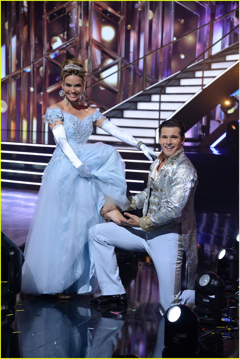 chrishell stause cinderella dancing with the stars 014488701