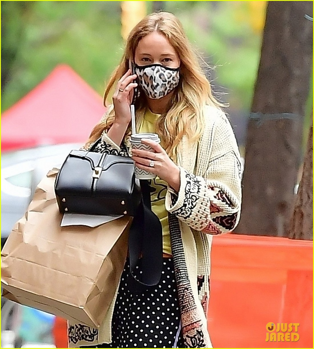 jennifer lawrence casual fashion in new york city 024495672