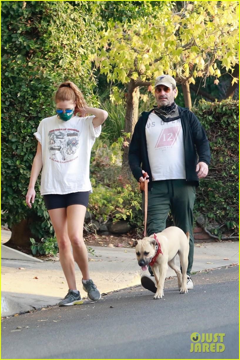 jon hamm anna osceola take his dog for a walk 014502421