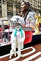 macys thanksgiving day parade celebs 01