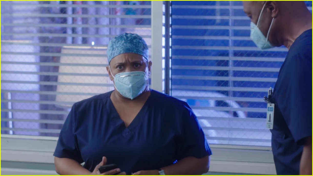 chandra wilson on greys anatomy 014507788