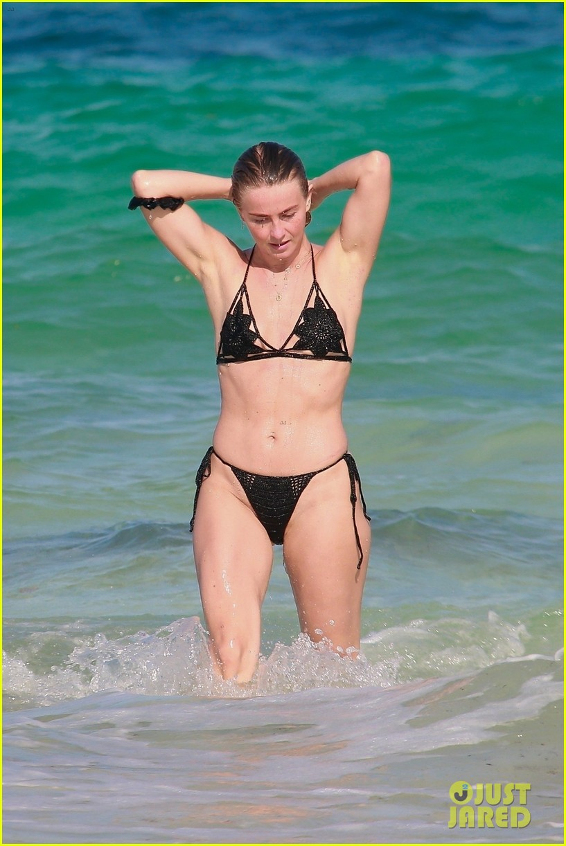 julianne hough at the beach in mexico 014548654