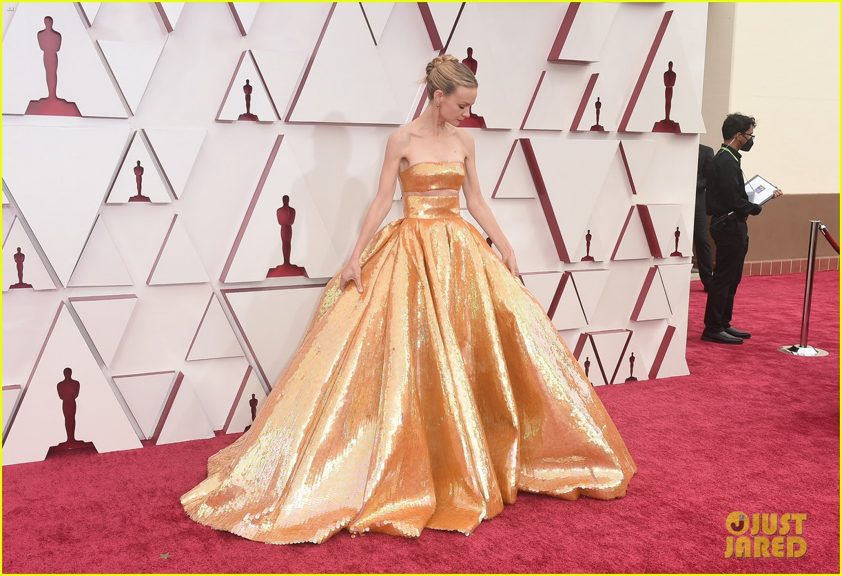 gold trend looks red carpet oscars 014547947