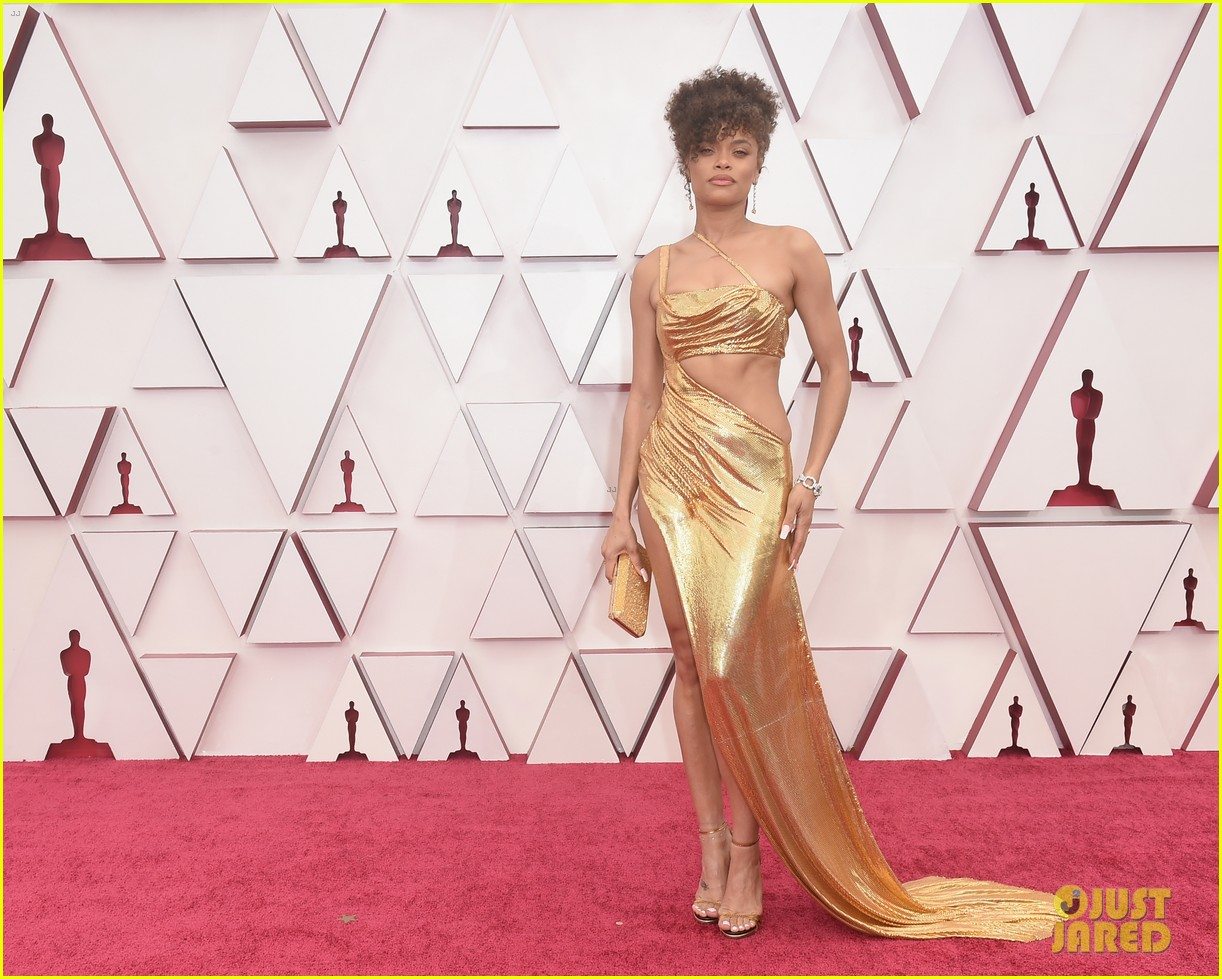 gold trend looks red carpet oscars 044547950
