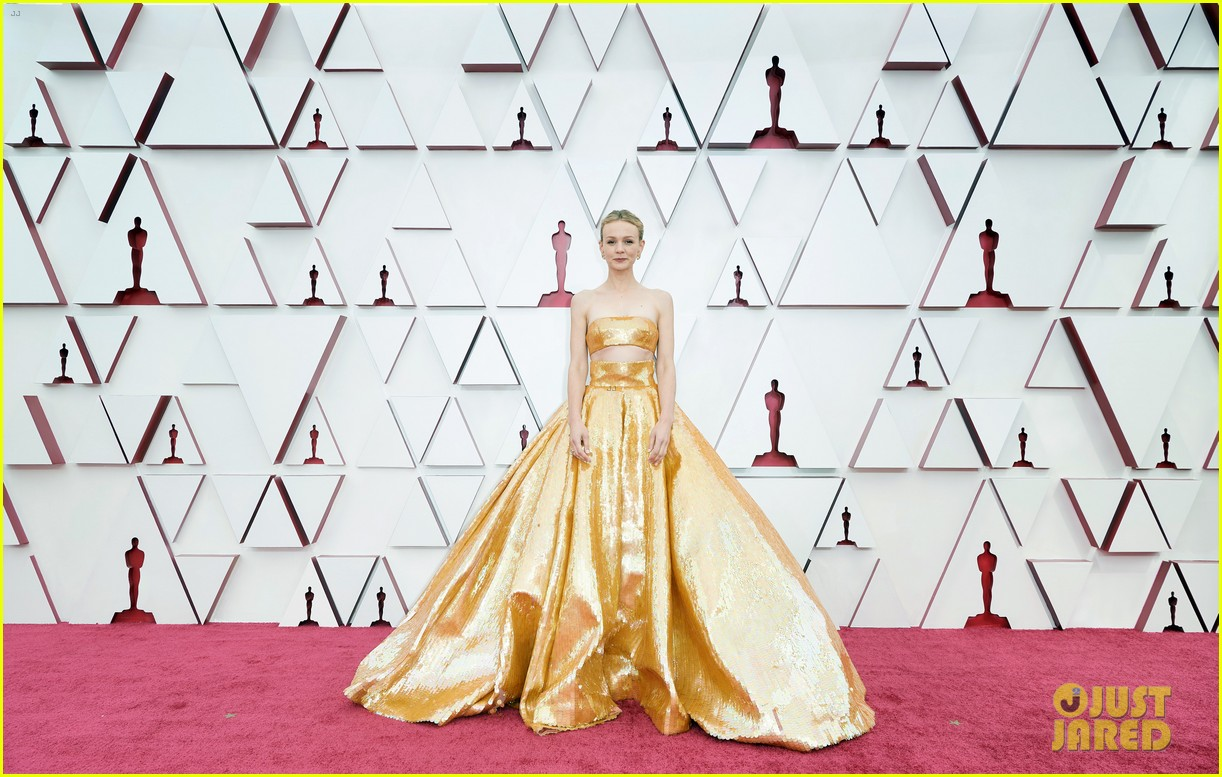 gold trend looks red carpet oscars 064547952