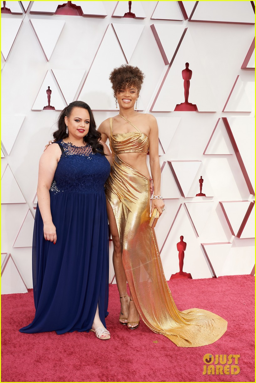 gold trend looks red carpet oscars 084547954