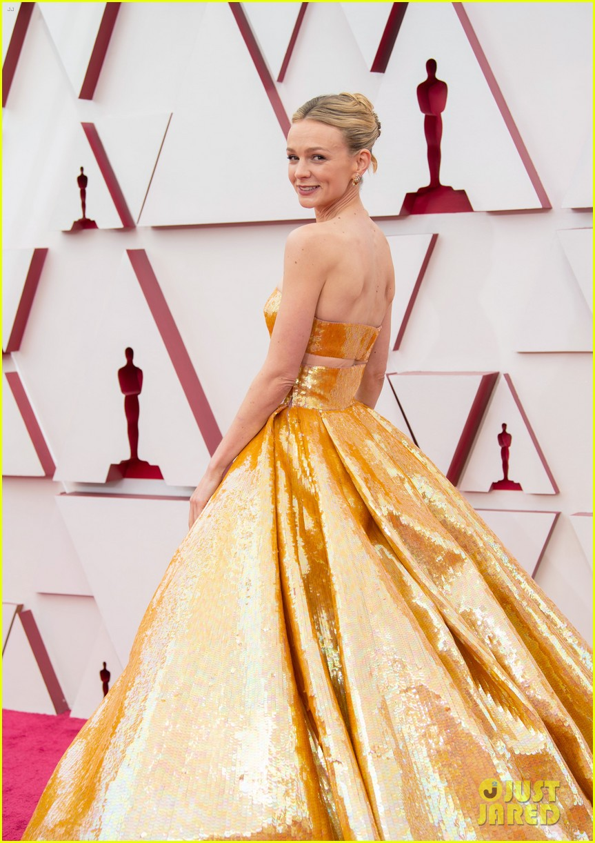 gold trend looks red carpet oscars 144547960