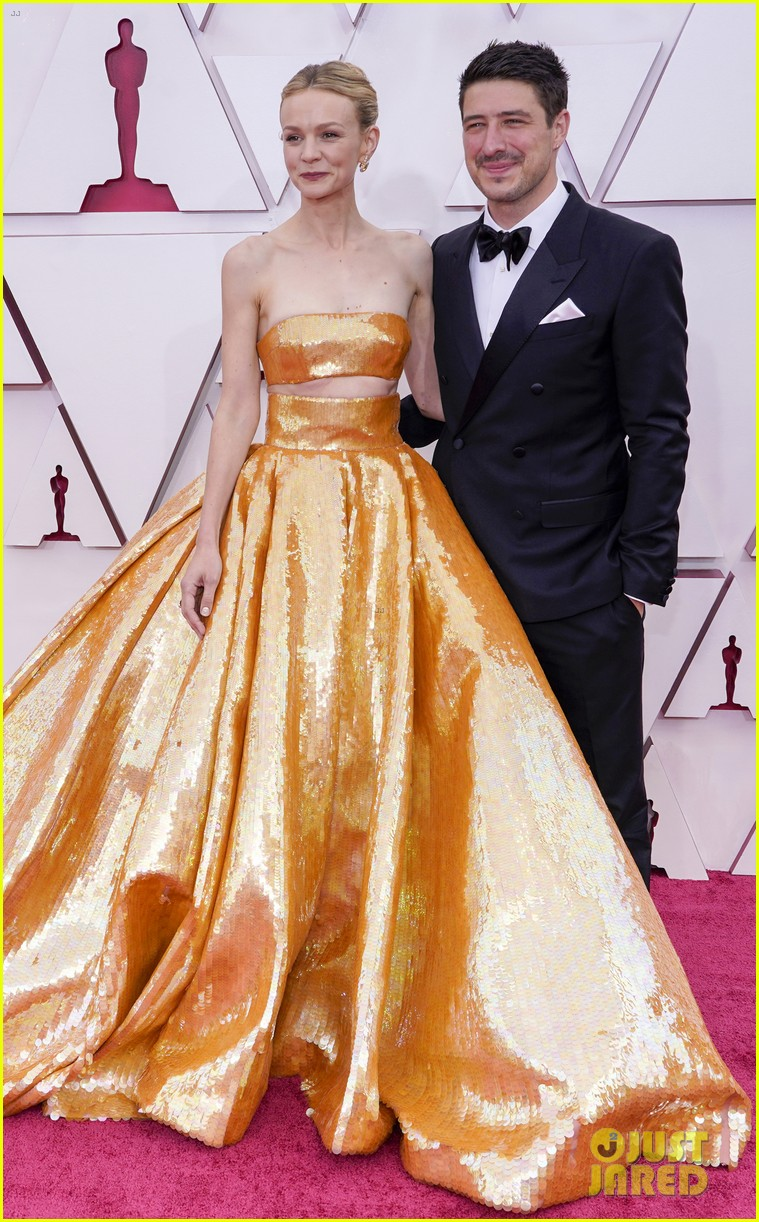 gold trend looks red carpet oscars 154547961