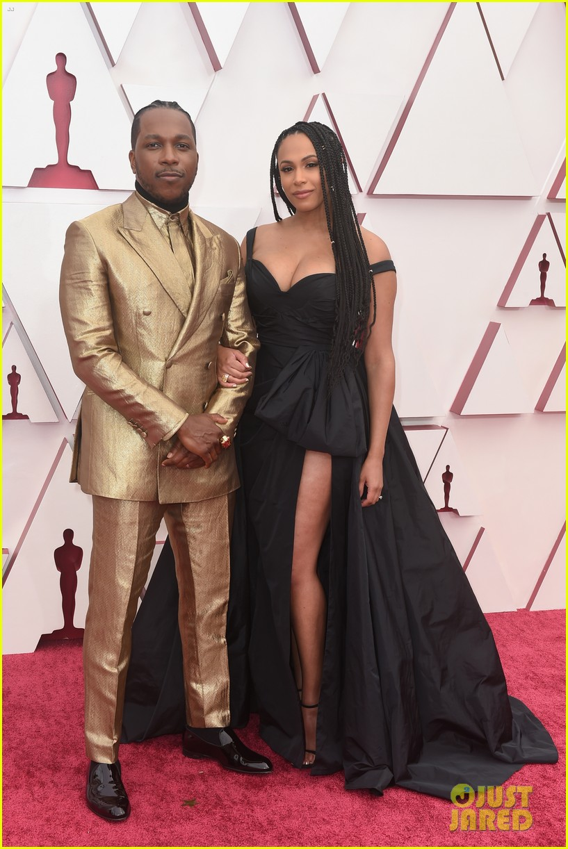 gold trend looks red carpet oscars 164547962