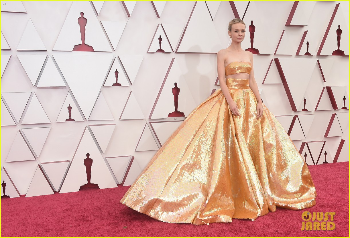 gold trend looks red carpet oscars 184547964
