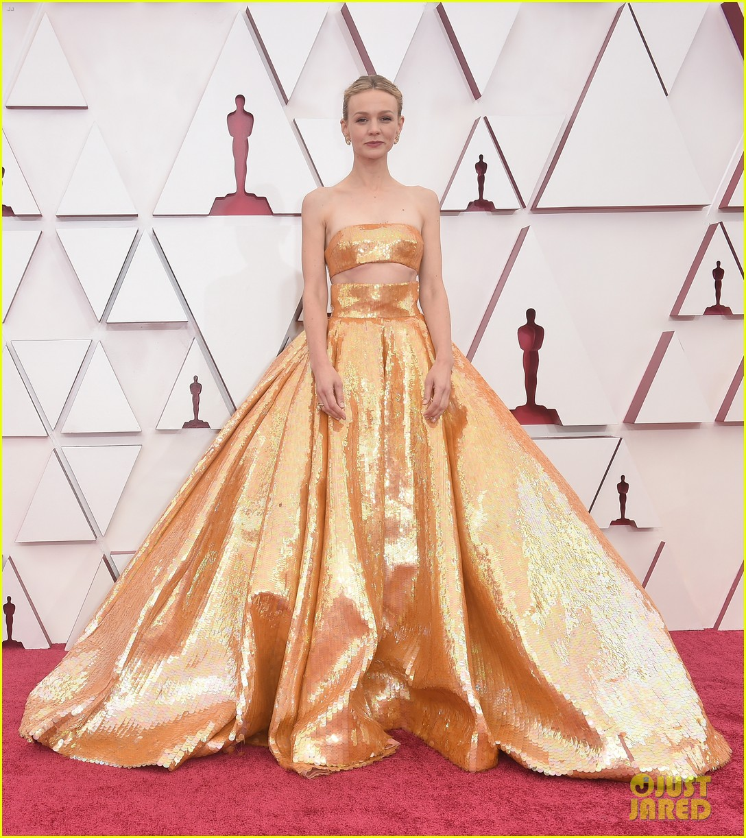 gold trend looks red carpet oscars 204547966