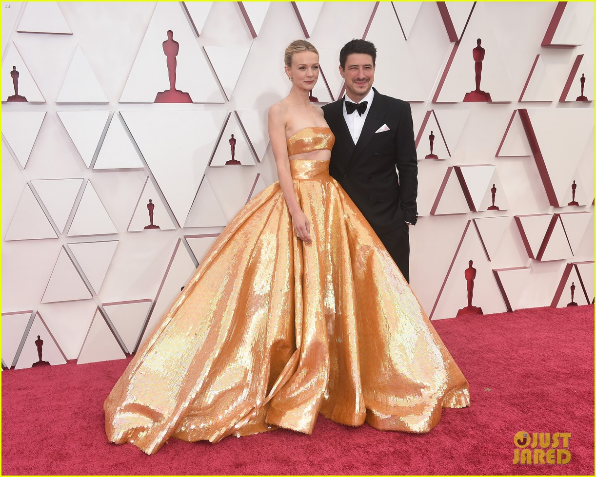 gold trend looks red carpet oscars 234547969