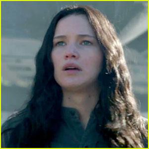 Jennifer Lawrences Katniss Unites an Army in New