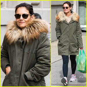 Katie Holmes Bundles Up to Run Errands in NYC
