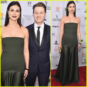 Ben McKenzie & Morena Baccarin Couple Up at International Emmy Awards