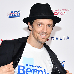Former USPS Employee Jason Mraz Calls Out President Trump For Trying To Tamper With The Election