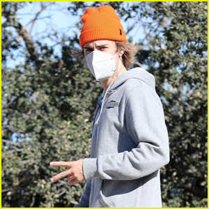 Justin Bieber Throws Up the Peace Sign While Out on a Hike
