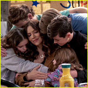 Katharine McPhee Becomes an Accidental Nanny in 'Country Comfort' Trailer - Watch Now!
